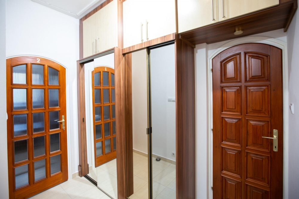 Folyosó / 2-es szoba bejárat