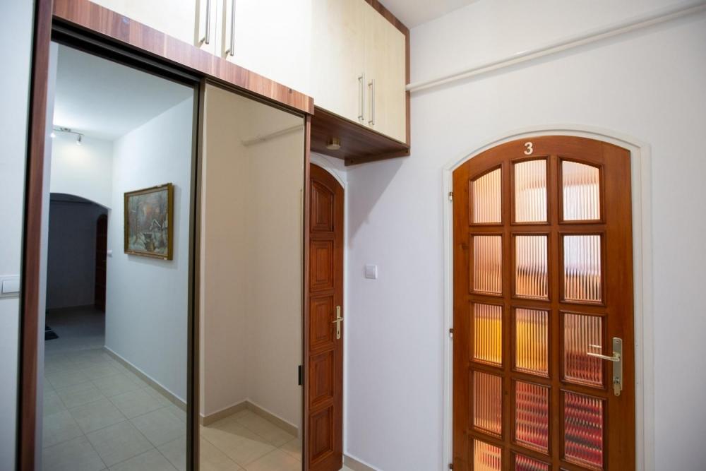 Folyosó / 3-es szoba bejárat